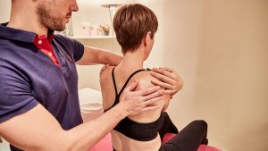 When and why should you visit a Physiotherapist vs Osteopath